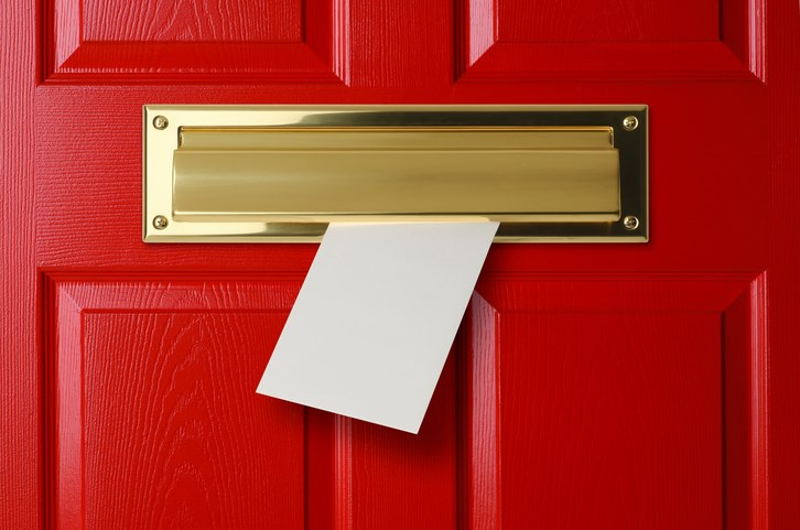Direct Mail vs. Eblasts: Snail Mail or Email Marketing?